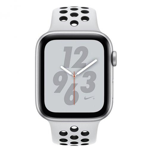 Apple Series 4 Nike Zilver